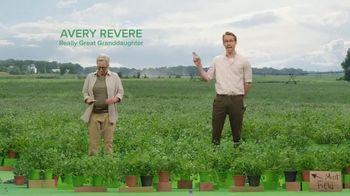Mint Mobile TV Spot, 'Ryan & Avery Revere' Featuring Ryan Reynolds - Thumbnail 4