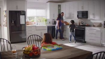 The Home Depot Labor Day Savings TV Spot, 'Cool Drinks & Homemade Treats: LG Refrigerator' - Thumbnail 7