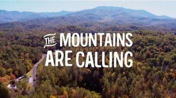 Visit Gatlinburg TV Spot, 'The Mountains are Calling: This Fall' - Thumbnail 10