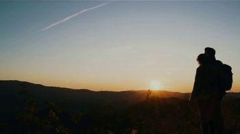 Visit Gatlinburg TV Spot, 'The Mountains are Calling: This Fall' - Thumbnail 2
