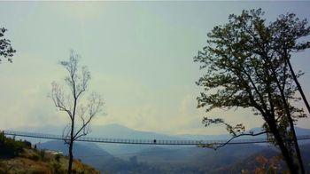 Visit Gatlinburg TV Spot, 'The Mountains are Calling: This Fall' - Thumbnail 5