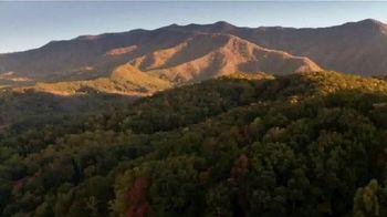 Visit Gatlinburg TV Spot, 'The Mountains are Calling: This Fall' - Thumbnail 6