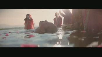 Giorgio Armani MY WAY TV Spot, 'Find Me' Featuring Adria Arjona, Song by Sigma Feat. Birdy - Thumbnail 3