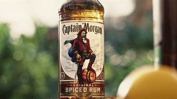 Captain Morgan Sliced Apple TV Spot, 'First Fight' - Thumbnail 1