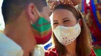 Disney World TV Spot, 'Discover Holiday Magic' - Thumbnail 4