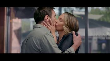 Kay Jewelers TV Spot, 'Nothing Should Get in the Way of Love' - Thumbnail 4
