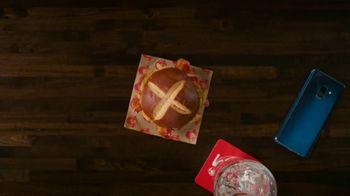 Wendy's Pretzel Bacon Pub Cheeseburger TV Spot, 'Nothing Will Distract You' - Thumbnail 8