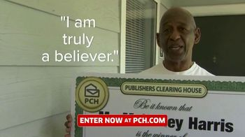 Publishers Clearing House TV Spot, 'Real People: $1,000 a Day' Featuring Terry Bradshaw - Thumbnail 9