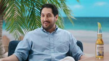 Corona Extra TV Spot, 'Draft Party' Featuring Tony Romo - Thumbnail 8