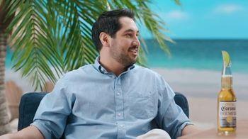 Corona Extra TV Spot, 'Draft Party' Featuring Tony Romo - Thumbnail 9
