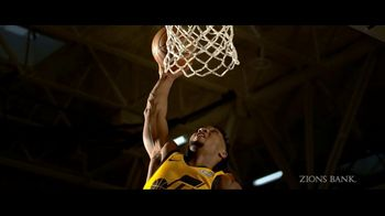 Zions Bank TV Spot, 'In Flight' Featuring Donovan Mitchell, Song by Michael Shynes - Thumbnail 4
