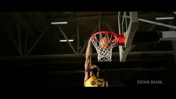 Zions Bank TV Spot, 'In Flight' Featuring Donovan Mitchell, Song by Michael Shynes - Thumbnail 6