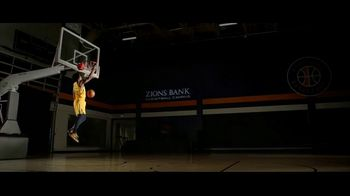 Zions Bank TV Spot, 'In Flight' Featuring Donovan Mitchell, Song by Michael Shynes - Thumbnail 7
