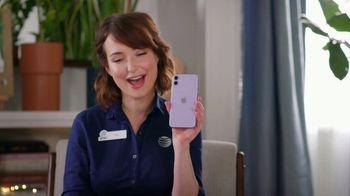 AT&T Wireless TV Spot, 'Helpful Tips: iPhone 11' - Thumbnail 3