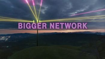 T-Mobile TV Spot, 'Bigger and Better' Song by Niall Horan - Thumbnail 6