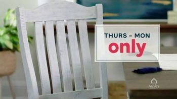 Ashley HomeStore Stars and Stripes Sale TV Spot, 'Zero Percent Financing or 25 Percent Off' - Thumbnail 3