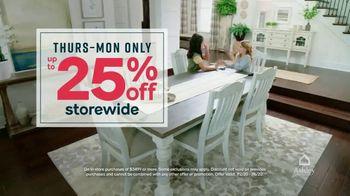 Ashley HomeStore Stars and Stripes Sale TV Spot, 'Zero Percent Financing or 25 Percent Off' - Thumbnail 6