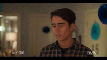 Hulu TV Spot, 'Love, Victor' Song by BANNERS - Thumbnail 7