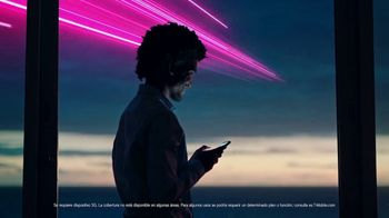 T-Mobile TV Spot, 'Una red asombrosa' [Spanish] - Thumbnail 9