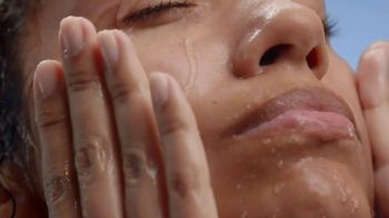 CeraVe Hydrating Facial Cleanser TV Spot, 'Tu piel' [Spanish] - Thumbnail 4