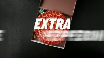 Papa John's Shaq-A-Roni Pizza TV Spot, 'Extra' - Thumbnail 5