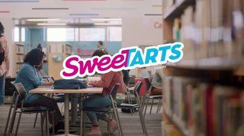 SweeTARTS Ropes Bites TV Spot, 'Library' - Thumbnail 1