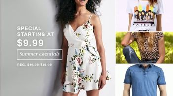 Macy's July 4th Sale TV Spot, 'Summer Essentials, Sandals and Towels' - Thumbnail 3