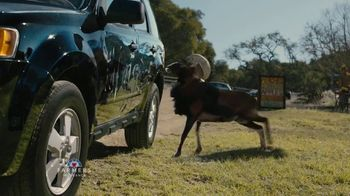 Farmers Insurance TV Spot, 'Hall of Claims: A Great Deal of Experience' Featuring J.K. Simmons - Thumbnail 5