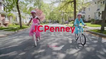 JCPenney TV Spot, 'Find the Magic in Every Moment' - Thumbnail 10