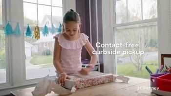 JCPenney TV Spot, 'Find the Magic in Every Moment' - Thumbnail 4