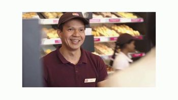 Dunkin' TV Spot, 'Come Run With Us: Team Members' - Thumbnail 5