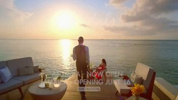 Sandals Resorts TV Spot, 'Forget Your Worries' Song by Bob Marley - Thumbnail 10