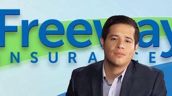Freeway Insurance TV Spot, 'Seguro de auto: ahorra hasta $839 dólares' [Spanish] - Thumbnail 1