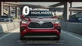Toyota TV Spot, 'Trust: Hybrids' Song by Vance Joy [T2] - Thumbnail 5