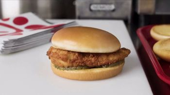 Chick-fil-A TV Spot, 'The Little Things: The A in Chick-fil-A: Encouragement' - Thumbnail 3