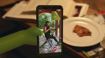 Cricket Wireless TV Spot, 'Couchersize' Featuring Tony Little - Thumbnail 7