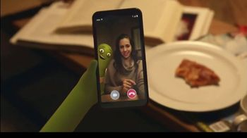 Cricket Wireless TV Spot, 'Far Away: teléfono Cricket Icon' [Spanish] - Thumbnail 3