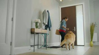 Bounce Pet Hair & Lint Guard TV Spot, 'Repel Pet Hair' - Thumbnail 1