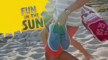 SKECHERS Cali Gear TV Spot, 'Summer'