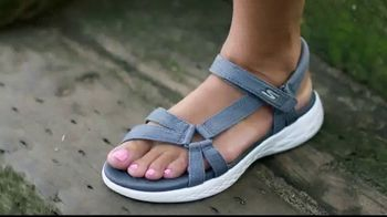 SKECHERS TV Spot, 'Sandals: Summer is Here'