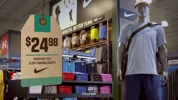 Dick's Sporting Goods TV Spot, 'Father's Day: Nike, Brooks, Top Flite' - Thumbnail 4