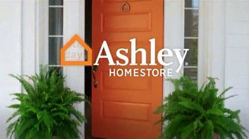 Ashley HomeStore Memorial Day Sale TV Spot, 'Final Days: Zero Interest for Five Years' - Thumbnail 6