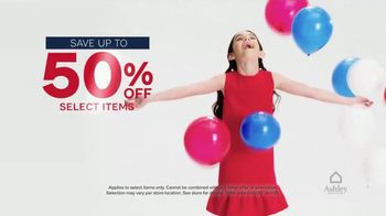 Ashley HomeStore Memorial Day Sale TV Spot, 'Final Days: Up to 50 Percent Off' - Thumbnail 4