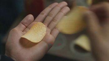 Pringles TV Spot, 'Sad Device: Dance Playlist' - Thumbnail 2