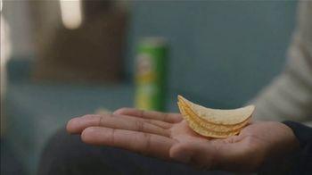 Pringles TV Spot, 'Sad Device: Dance Playlist' - Thumbnail 5