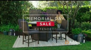 Ashley HomeStore Memorial Day Sale TV Spot, 'Extended: Up to 50% Off' - Thumbnail 8