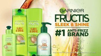 Garnier Fructis Sleek & Shine Anti-Frizz Serum TV Spot, 'Frizz Control' Song by Mark Ronson - Thumbnail 9
