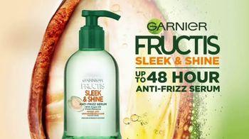 Garnier Fructis Sleek & Shine Anti-Frizz Serum TV Spot, 'Frizz Control' Song by Mark Ronson - Thumbnail 8