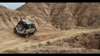 2020 Land Rover Defender TV Spot, 'Everyday Trips' [T2]