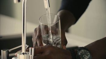 Crown Royal TV Spot, 'Stay Royal At Home' Featuring Kevin Garnett - Thumbnail 8